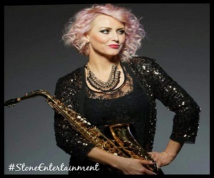 SS – FEMALE SAXOPHONIST